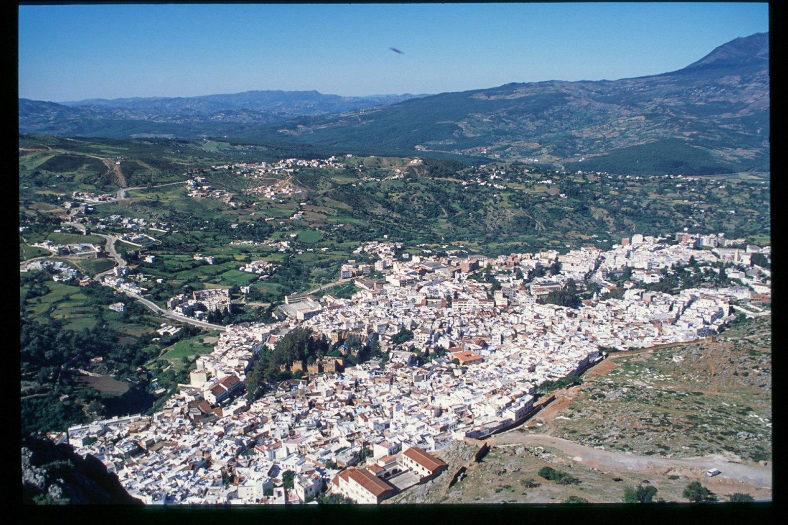 Maroc -Rif - Vue de haut de Chefchaouen