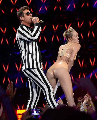robin-thicke-miley-cyrus-2013-mtv-vmas