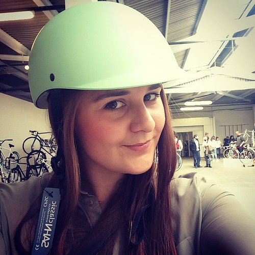 My #sahnselfie via @tokyobikelondon it's a beautiful helmet right?! #spinldn