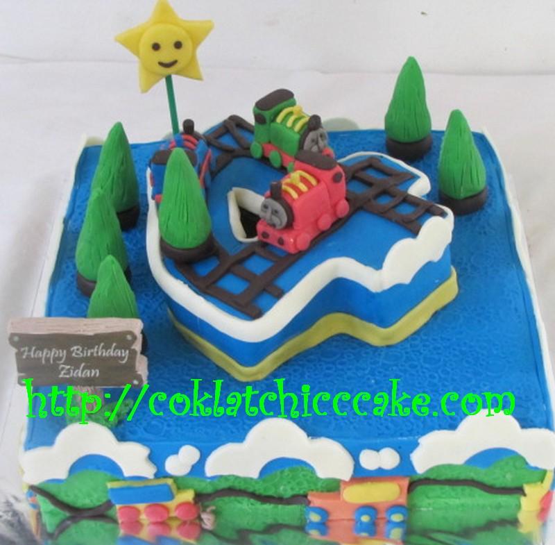 Kue ulang tahun thomas dan angka 4
