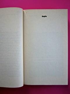 Soglie, di Gérard Genette. Einaudi 1989. Responsabilità grafica non indicata [Munari]. Titolo del volume (nelle medesime font della copertina): pag. 1 (part.), 2