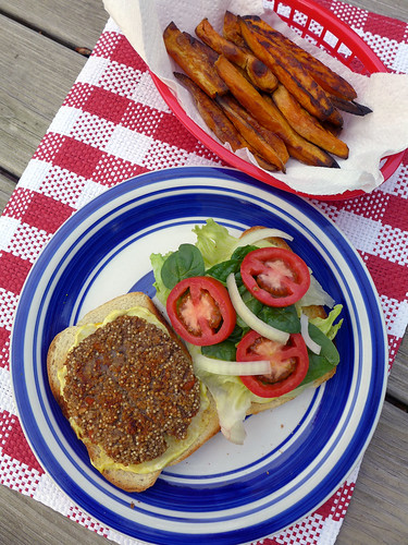 2014-05-17 - HappyCow Quinoa Patties - 0001 [flickr]