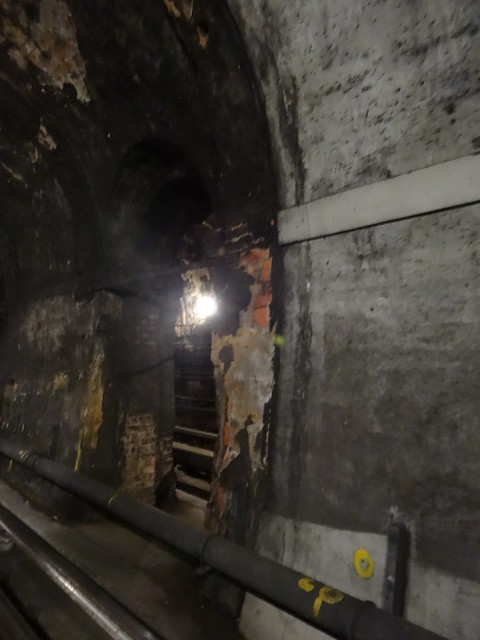 37 - Old and New archs in Thames Tunnel