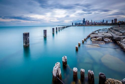 longexposure sunset chicago skyline pier lakefront