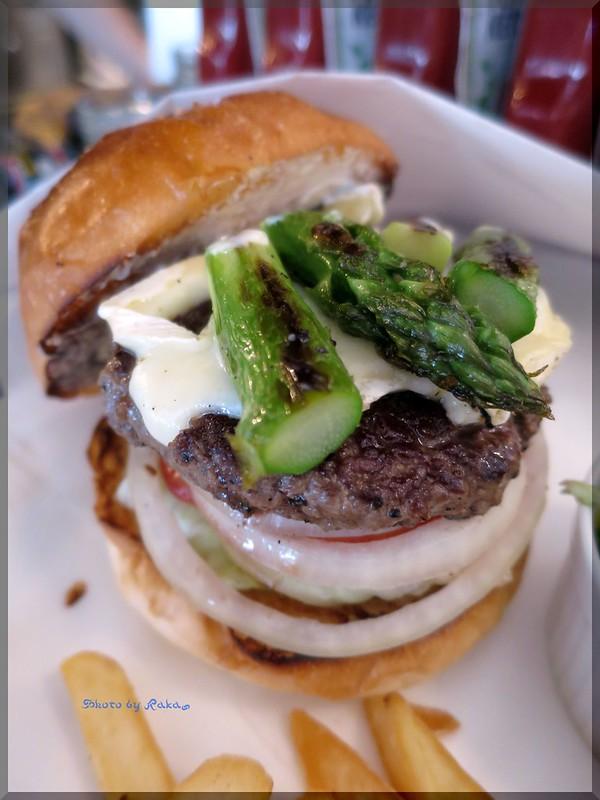 Photo:2014-05-07_ハンバーガーログブック_【恵比寿】Burger Mania Ebisu(バーガーマニア恵比寿) 季節の野菜アスパラを合わせました!-05 By:logtaka