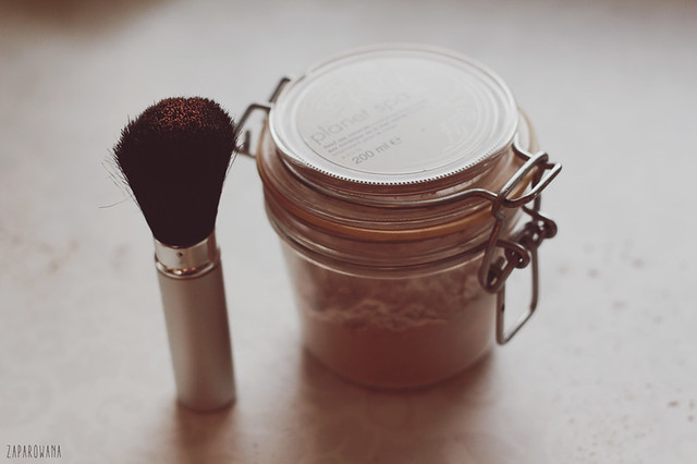 DIY translucent face powder