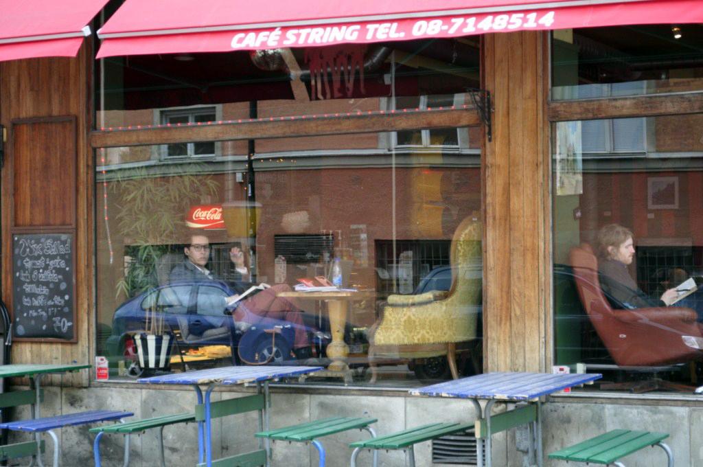 Ventanales de un bar y café retro del SoFo