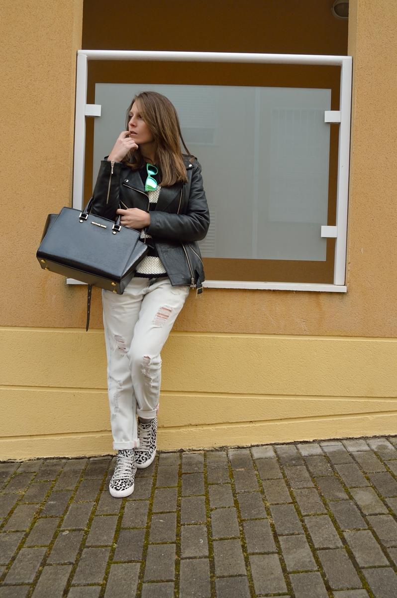 lara-vazquez-madlula-blog-style-black-white-attire