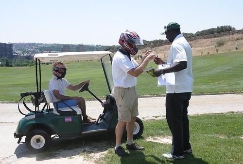 El control de alcoholemia a mitad del recorrido sorprendió a los participantes.