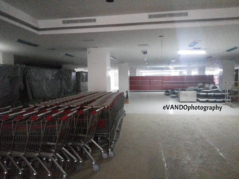 Chandra Supermarket.