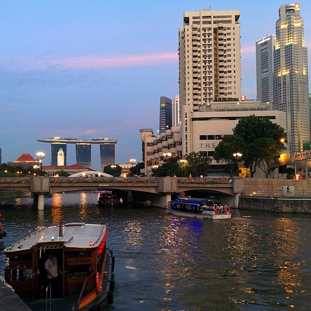 Saturday evening on the Singapore River.