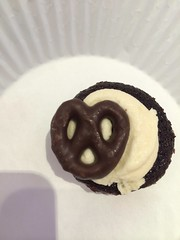 The smallest mini pretzel on a cupcake I've ever seen! by Rachel from Cupcakes Take the Cake