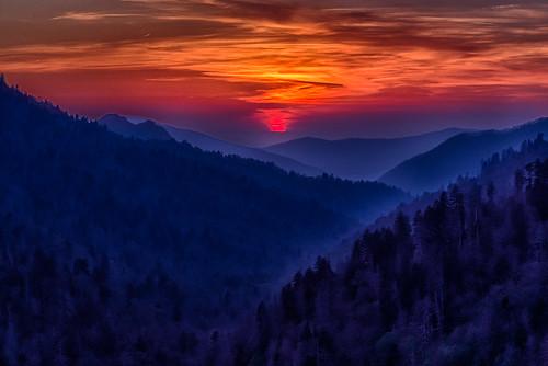 sunset season spring unitedstates tennessee nationalparks greatsmokymountainsnationalpark gsmnp greatsmokymountiansnationalpark mortongap