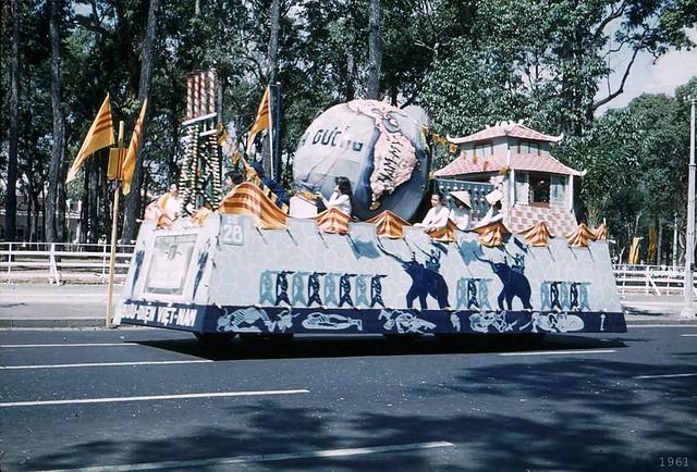 SAIGON 1961 -  Trung Sisters' Anniversary - Lễ Hai Bà Trưng năm 1961