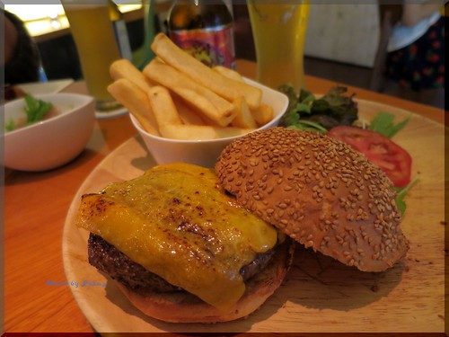 Photo:2014-06-21_ハンバーガーログブック_【宮崎】Bar&Cafe Corner 尾崎牛を使ったハンバーガーがあると聞いたら伺わざるを得ません-02 By:logtaka