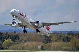 Swiss International Air Lines Boeing 777-3DE/ER HB-JNB
