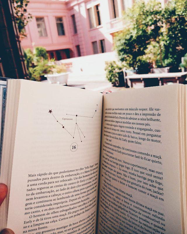 #UmMonteDeHashtag #nowreading #ClareVanderpool Em Algum Lugar Nas Estrelas #darksidebooks @darksidebooks #book #books #livro #livros #instabook #bookgram #igreads #bookjar #vscocam #vsco #vscobrasil #vscopoa #lgxpower