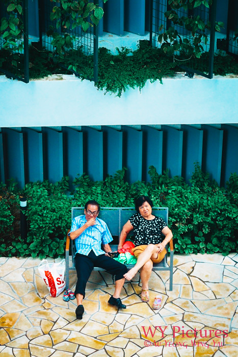Singapore 2017: Old Couple On A Bench