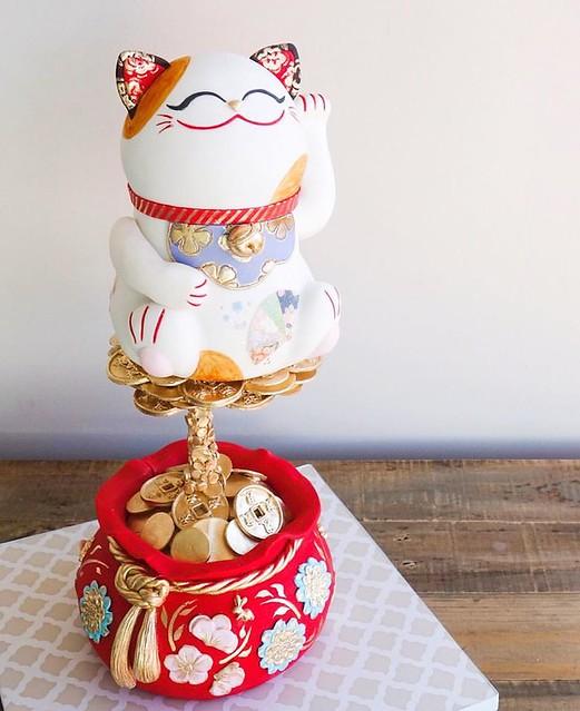 Gravity Defying Maneki-Neko Fortune Cat Cake by Katherine Sabbath