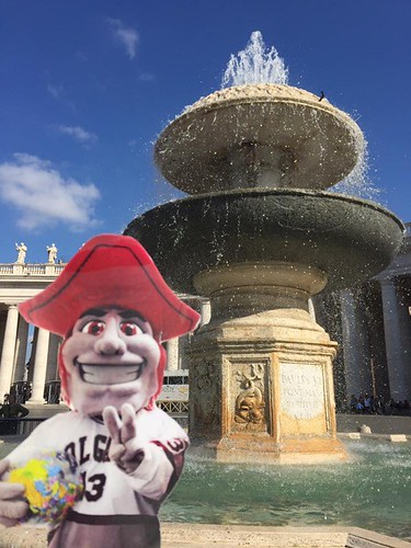 Emily Shlafmitz '18 majoring in English participating on spring 17 London English study group St. Peters Square