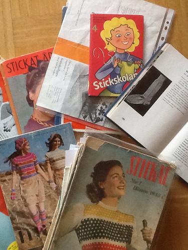 Stickböcker o tidningar vintage.