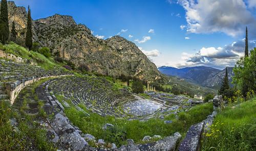 blue sky green grass canon ruins theater greece grèce delphes markiii delfi canon5dmarkiii 5dmarkiii