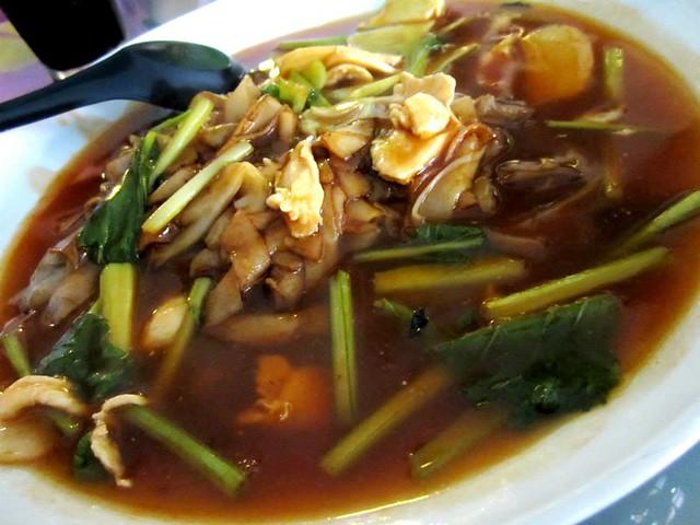 Lotus Cafe, Miri - tomato kway teow