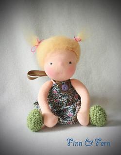 Flora - A Finn and Fern Little Fiddle