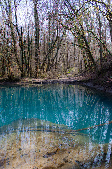 mirrored lake | Flickr - Photo Sharing!: flickr.com/photos/57254332@n04/14163870708