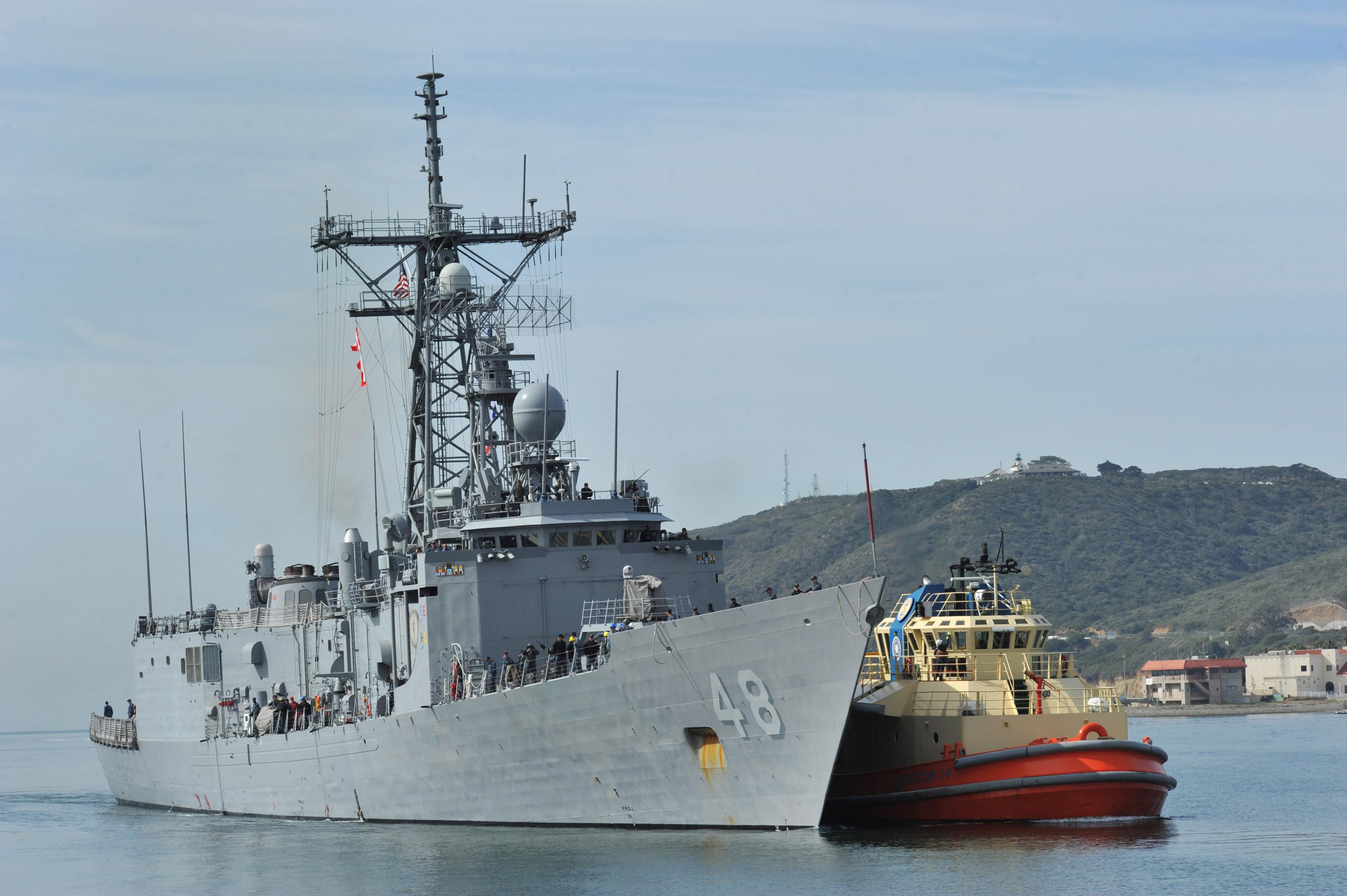 USS Vandegrift Departs San Diego for Deployment
