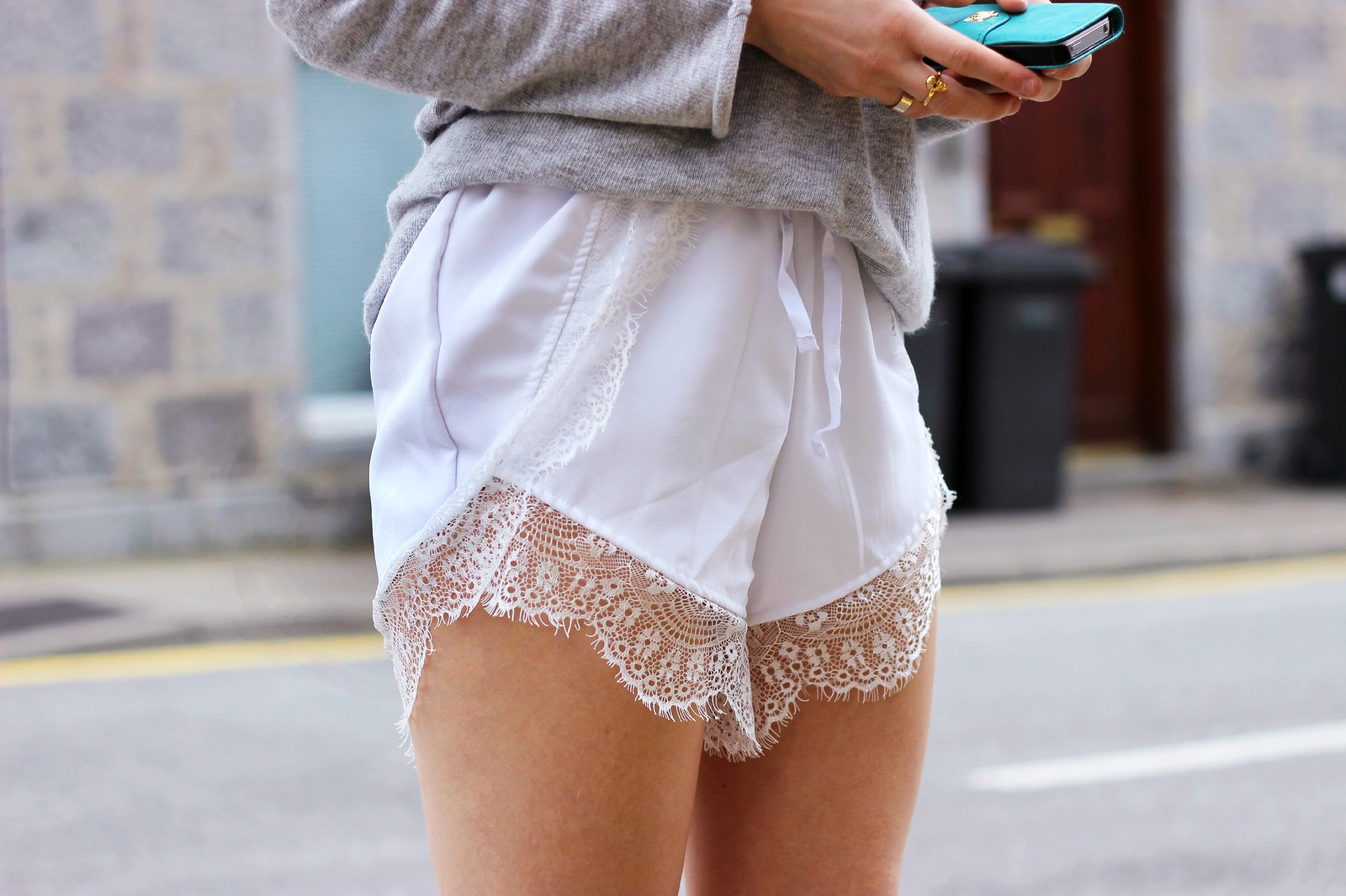 Sheinside white lace shorts 4