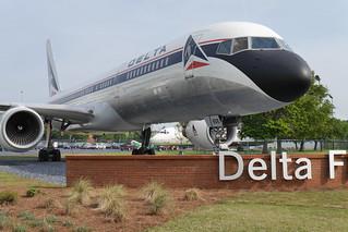 Delta Boeing 757-200