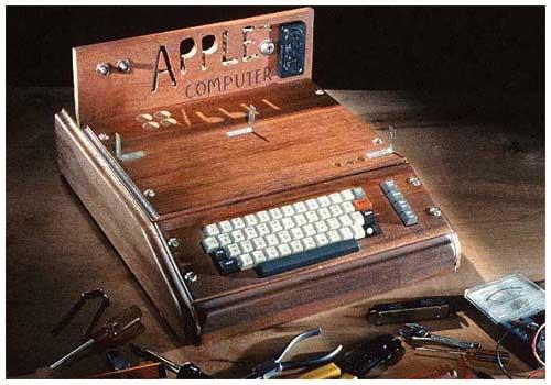 加了外壳的Apple I电脑