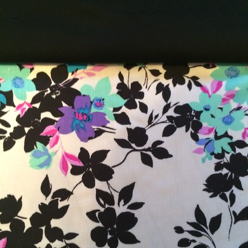 Rayon sateen challis with cotton sateenphoto 2
