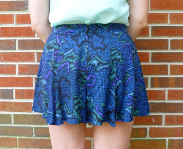 McCall's 6965 Skirt to Culottes Refashion - close up back by Hey, It's SJ