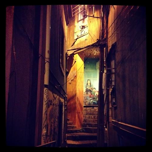 Pasaje olvidado #valparaíso #chile #city #world #street #night #lights