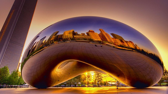 Cloud Gate sculpture by Anish Kapoor, Millennium Park, Chicago, Illinois (© Kjel Larsen)
