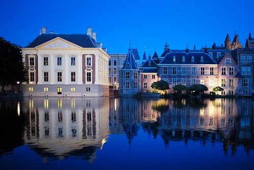 leica city travel blue summer sky reflection netherlands museum night sunrise landscape reflecting europe cityscape tripod nederland hague m clear summicron hour f2 28 haag hofvijver 240 mauritshuis binnenhof