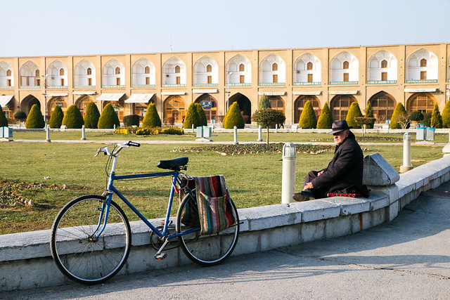 Imam square in the morning, Isfahan, Iran イスファハン、イマーム広場の朝