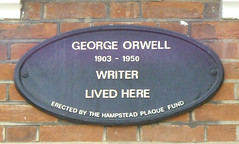 Photo of George Orwell black plaque