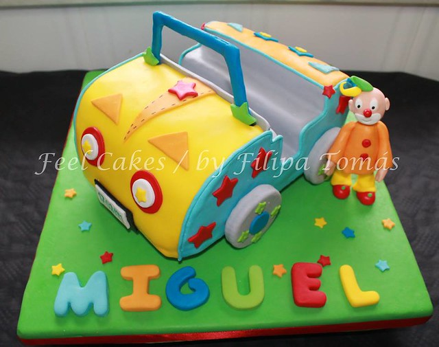 Cute Cake from Feel Cakes / by Filipa Tomás