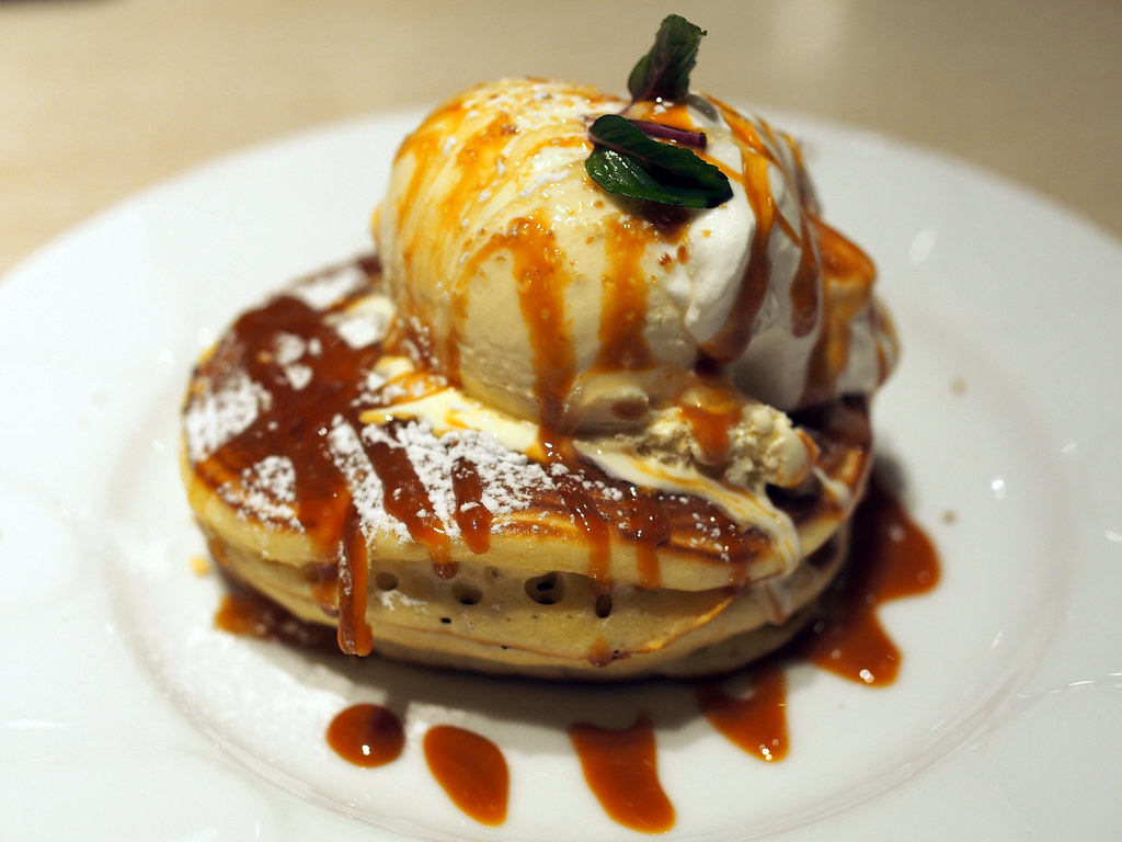 Caramel Honey Pancake