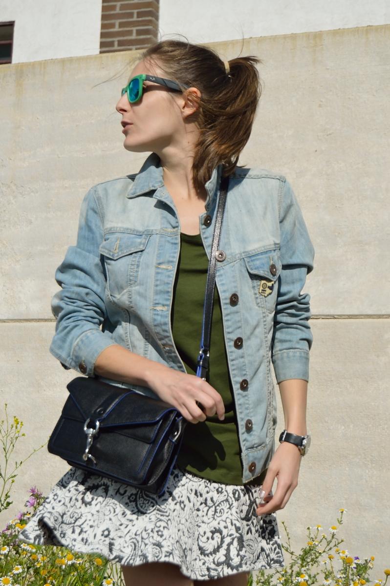 lara-vazquez-madlula-blog-easy-look-green-denim-skirt-fashion