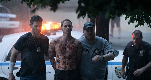 trailer-eric-banas-horror-film-deliver-us-from-evil