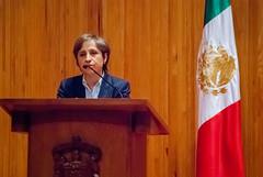 Carmen Aristegui recibe el galardón 'Corazón de León' ⑬