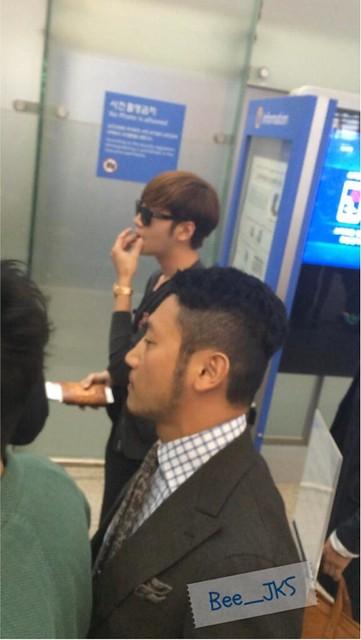 [Pics] JKS departs from Seoul to Beijing_20140425 14039323693_afa1ea7400_z