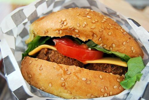 WPIR - falafel burger-001