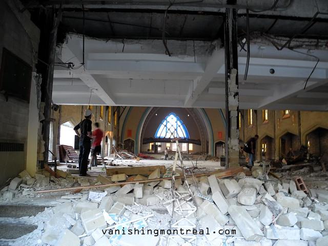 Eglise Notre-Dame-de-la-Paix demolition 02