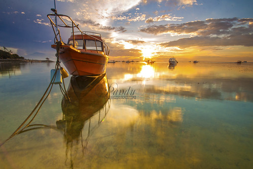 bali orange reflection sunrise indonesia landscape photography boat tour guide sanur baliphotography semawang balitravelphotography baliphotographytour baliphotographyguide