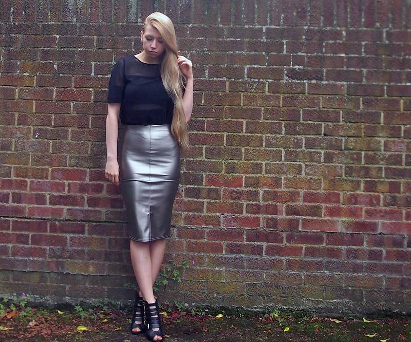 Sam Muses, UK Fashion Blog, London Style Blogger, Jane Norman, Metallic, Pencil Skirt, Bodycon, Midi, High Waisted, Gold, Silver, Matalan, Sheer Panel, Organza, T-Shirt, Tee, How to Wear, Styling Ideas, Outfit Inspiration, SS14